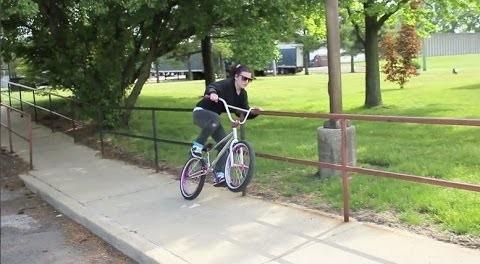 GIRL BMX – BROOKE BETANCOURT