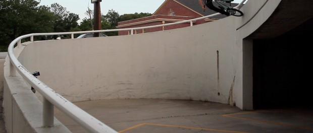 BMX – Garrett Reeves does a huge curved wall ride