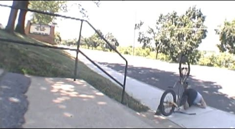 BMX – Handrail Crash Straight To The Nose