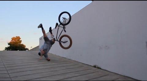 BMX CRASH – GREG HENRY SWAN DIVES INTO CONCRETE