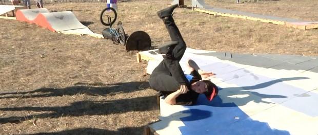 BMX – First Rider Through The Gauntlet Of Death – Texas Toast 2014