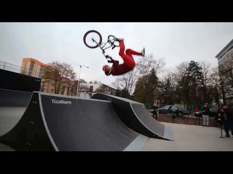 BMX Rider Gets Destroyed Front Flipping A Spine