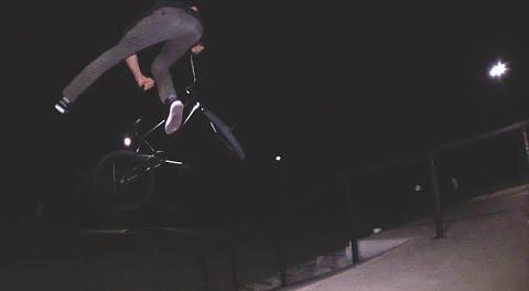 BMX – THE DIRTY DOZEN #1 ( Skatepark + Beer)