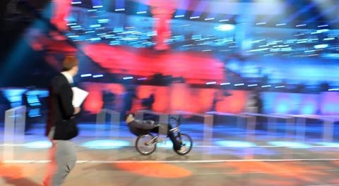 Tim Knoll Sets Guinness World Record for Longest Bike Limbo