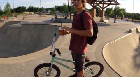 BMX Webisode: Allen Skatepark – Dogs & Bikes :)✔️