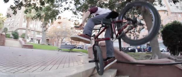 Near Death Handrail Snap – Éclat BMX