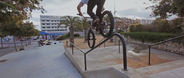 Sam Jones – Rail Ride Bar RAW CLIP
