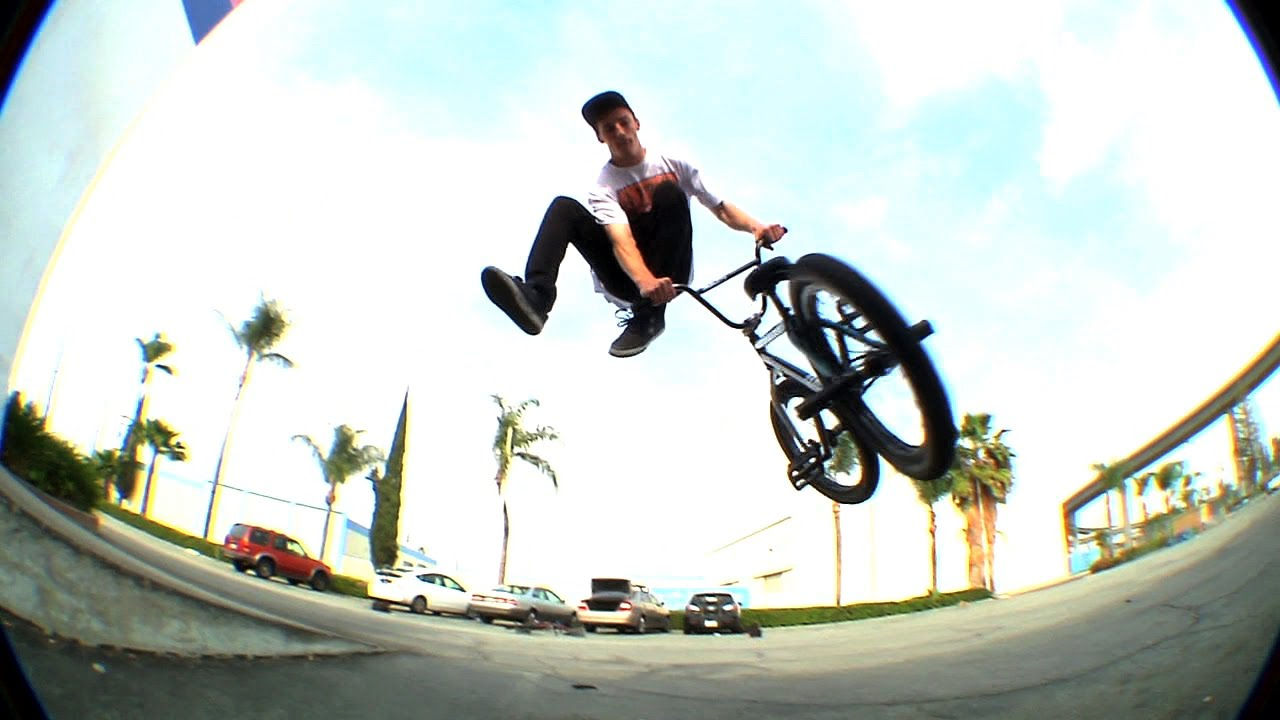 BMX / Alec Siemon – Welcome to Sunday