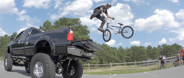 LIFTED TRUCK TAIL WHIP!